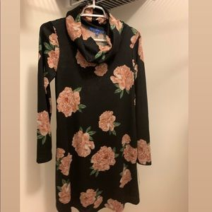 Floral sweater dress, new with tags from apt 9,